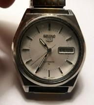 Vintage SEIKO 5 Mens Watch 7009-8760 WORKING - $53.40