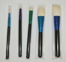 MAC(r) Enchanted Eve Brush Kit 5 Brushes Plus Carry Bag image 3