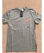 NWT Abercrombie Mens GRAPHIC TEE Shirt Light Heather Gray, Small - $17.55