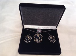 NEW MLB NY Yankees Gold Silver Necklace & Earring Set image 2