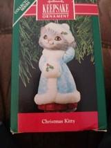 Hallmark keepsake ornament 1990 Christmas  kitty collector,s series - $11.87