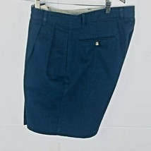 Roundtree and York Mens Shorts size 34 Navy Blue Cotton Pleated Front  - $23.99