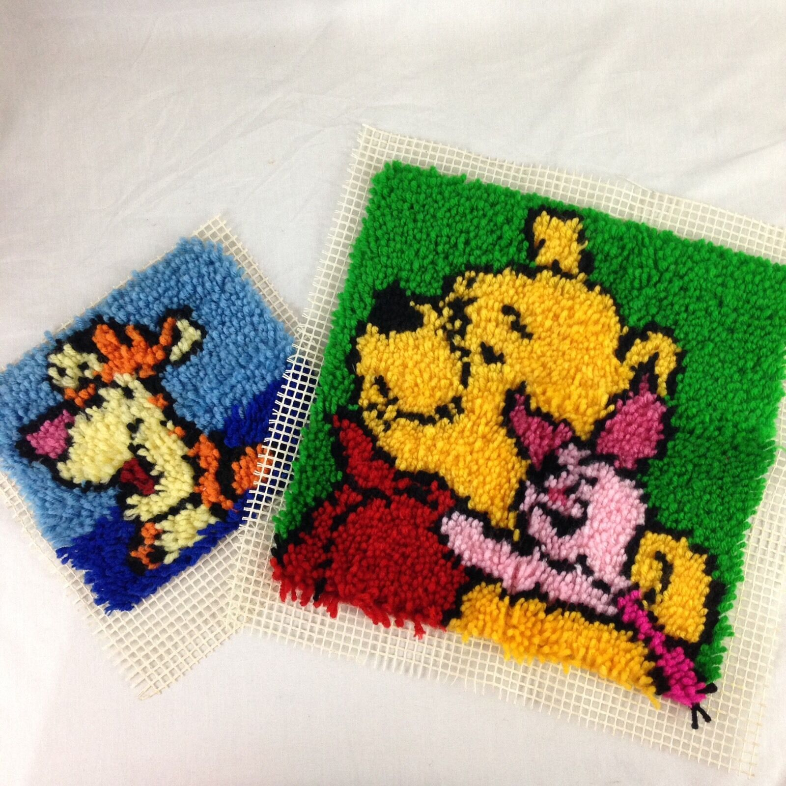 IN CHINA 50 X 50 CM WINNIE THE POOH ROUND LATCH HOOK RUG KIT