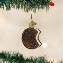 OLD WORLD CHRISTMAS SANDWICH COOKIE OREO STYLE GLASS CHRISTMAS ORNAMENT ... - $7.88