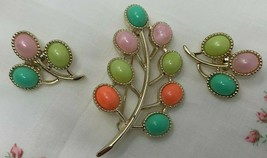 VTG 1973 Sarah Coventry Pin & Earrings CANDY LAND PASTEL LUCITE INSETS LEAF - $28.45