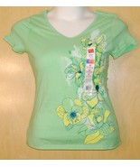 HANES WOMENS SMALL V NECK GREEN EMBELLISHED FLOWERS TOP NEW NICE - $4.74