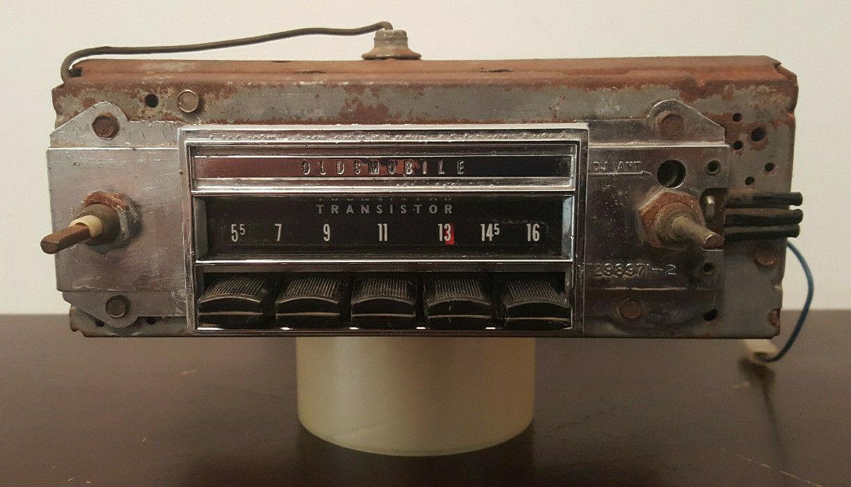 ***Vintage*** 1960's-70's GM/Delco Oldsmobile AM Transistor Car Radio 7298971-2 - $46.00