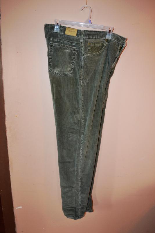 Size 36X32 Men's Olive Green Corduroy's by L.L. Bean RRM293