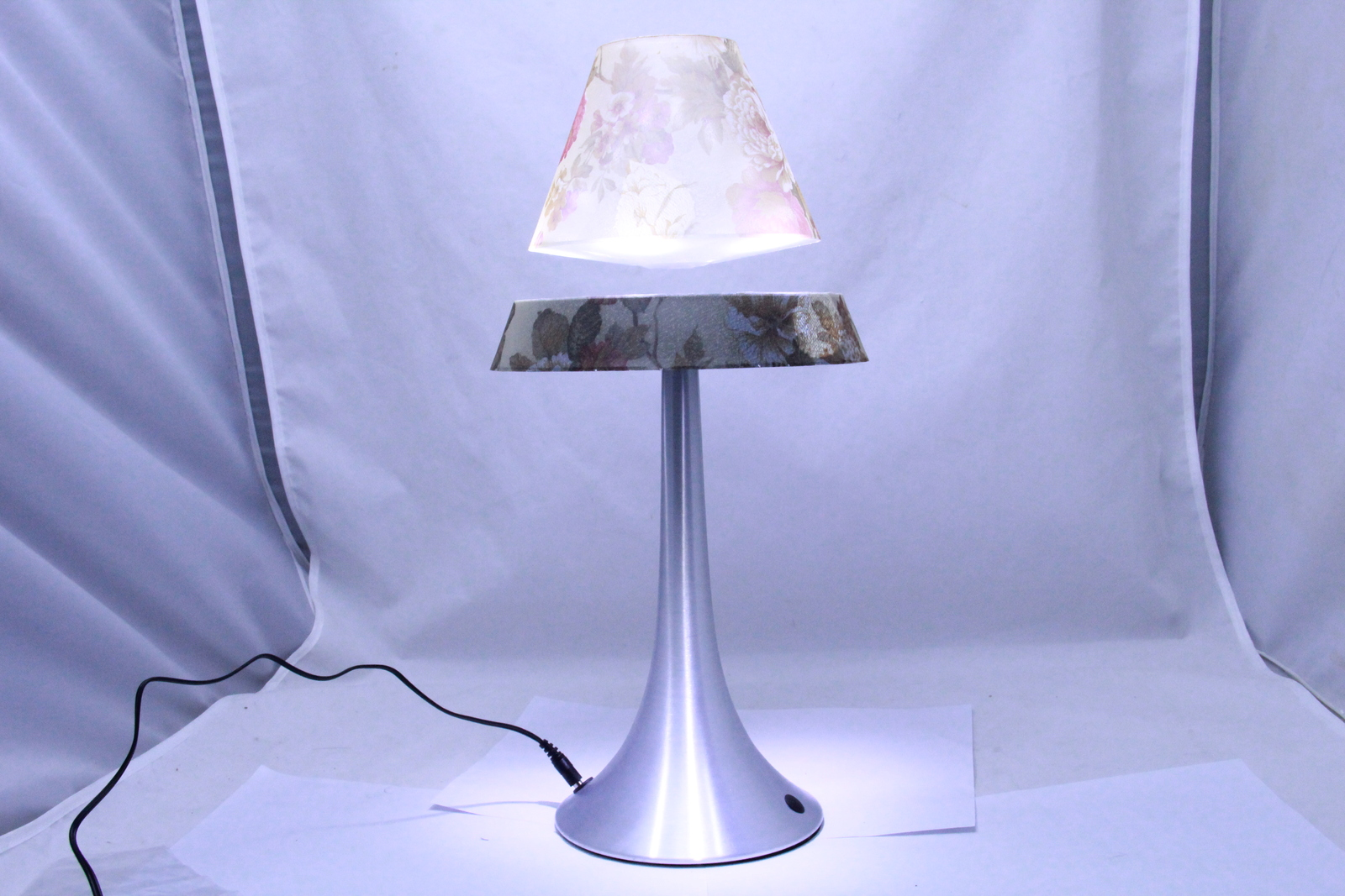 The Amazing Floating/Levitating Lamp - Floral Pattern Base and Shade -New in Box