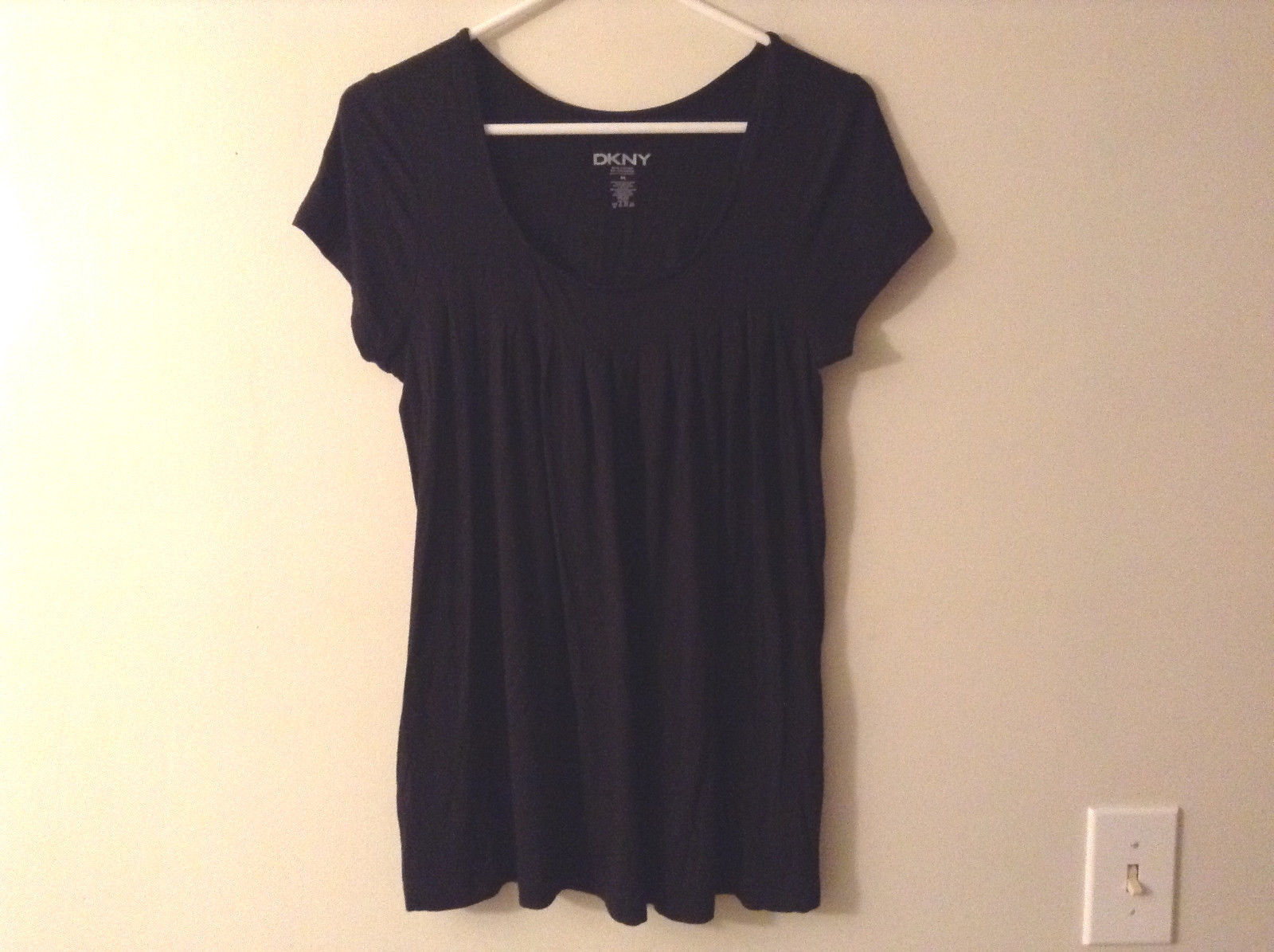 "DKNY Women's Size M ""T-Shirt"" Black Tee Scoop Neck Short Sleeve Pleated Babydoll"
