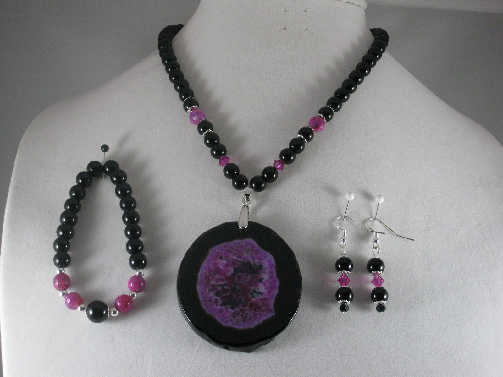 NEW Black and Rose Druzy Geode Agate slice Pendant Necklace Set