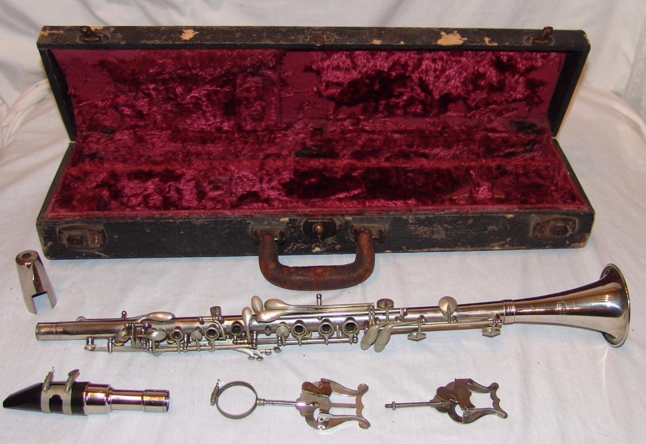 A Fontaine Paris Metal Clarinet w/ Original Case Musical ...