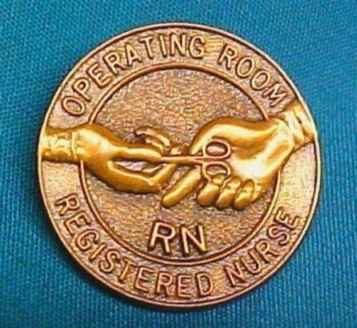 RN Operating Room Nurse Lapel Pin Graduation Professional Emblem 5052 New image 3