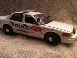 WASHINGTON DC METRO POLICE UT DIECAST MODEL  WITH WORKING LIGHTS AND SIREN - $130.51