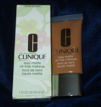 Clinique Stay-Matte Oil Free Makeup-Cream Caramel 21 NEW - $24.70