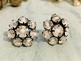 Round Striped Crystal Flower Earrings Set in Black Clipon UNIQUE - $11.64