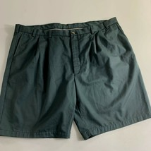 Roundtree & Yorke Mens Shorts Size 56 Khaki Green Cotton Pleated Front - $21.78