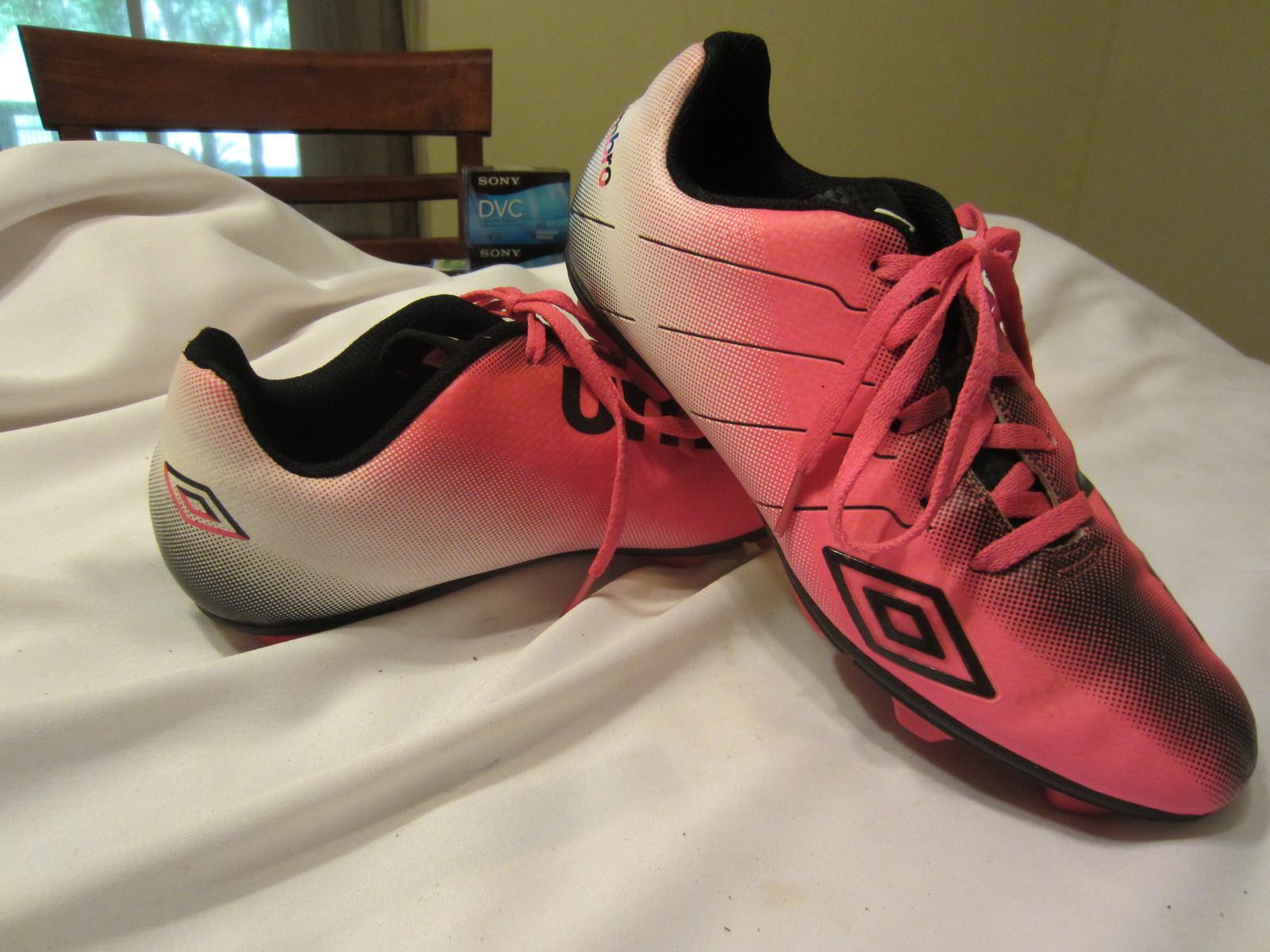 0202c4403e7c Umbro Girls Arturo Soccer Cleats Size: 6 and 38 similar items