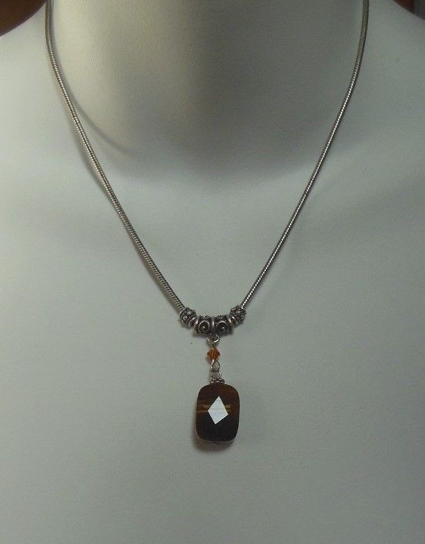 Avon Semi-Precious Tiger's Eye Stone Pendant Necklace 2004