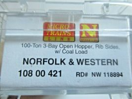 Micro-Trains # 10800421 Norfolk & Western 100-Ton 3-Bay Hopper with Coal Load (N image 6