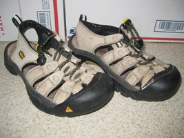 Keen women's leather sandals, size 7 - $24.05
