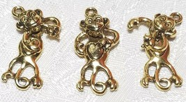 WIGGLY MONKEY WITH BANANA FINE PEWTER PENDANT CHARM - 13mm L x 30mm W x 5mm D