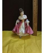 VINTAGE ROYAL DOULTON FIGURINE Southern Belle HN 2229 - $33.85