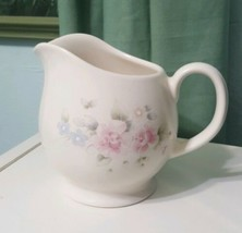 Pfaltzgraff Pottery Tea Rose Round Belly Pitcher Gravy Boat - $16.80