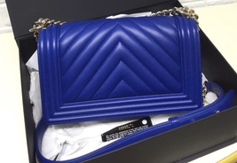 AUTH NEW CHANEL ELECTRIC BLUE CHEVRON QUIILTED MEDIUM BOY FLAP BAG SHW image 2