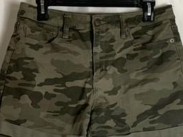 Universal Thread Green Camo Shorts Womens Size 8 Demin High Rise Midi - $19.99