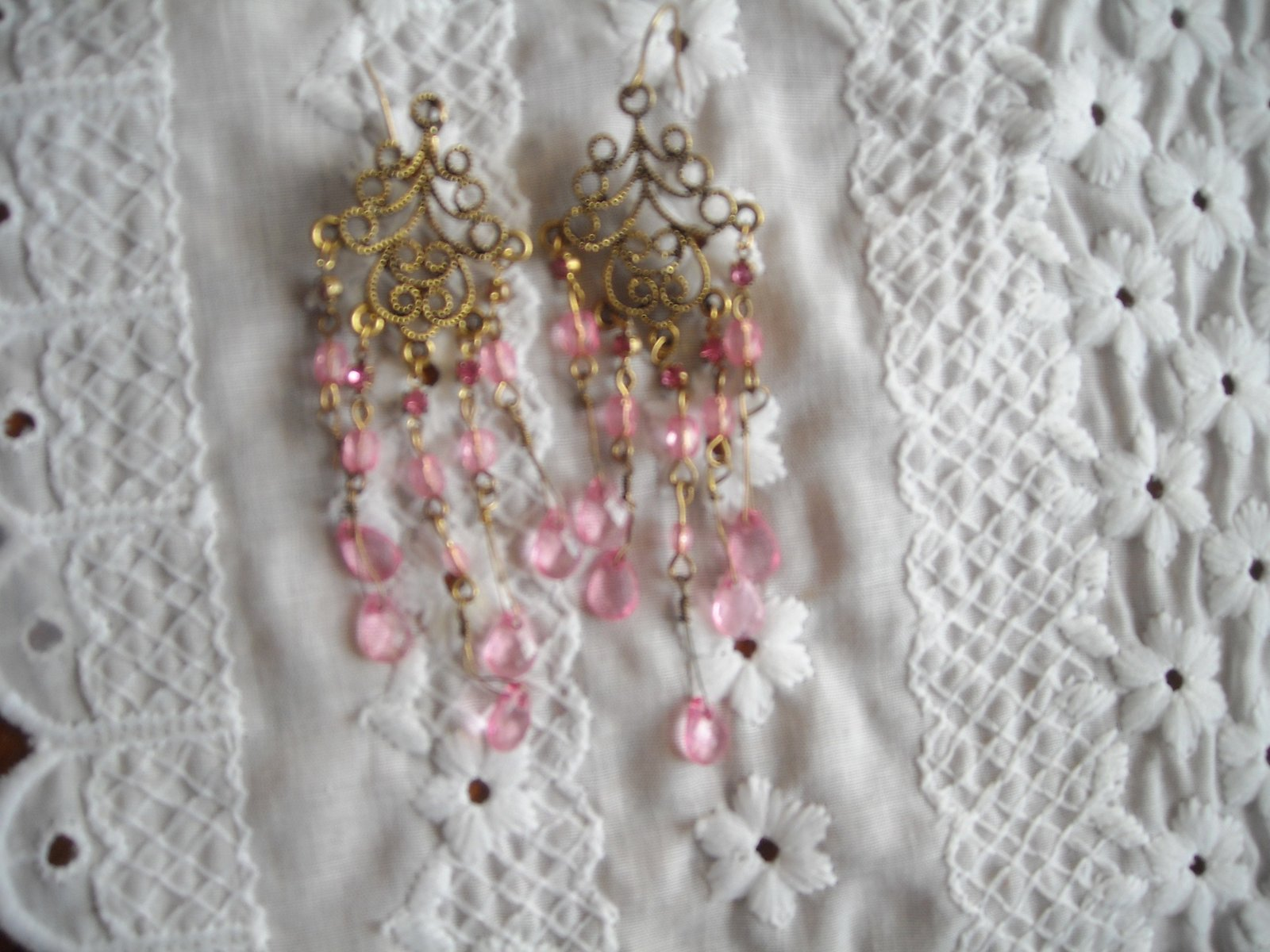Fashion Earrings Pink Faceted Glass Beads & Pink Rhinestones Gold Tone Filigree