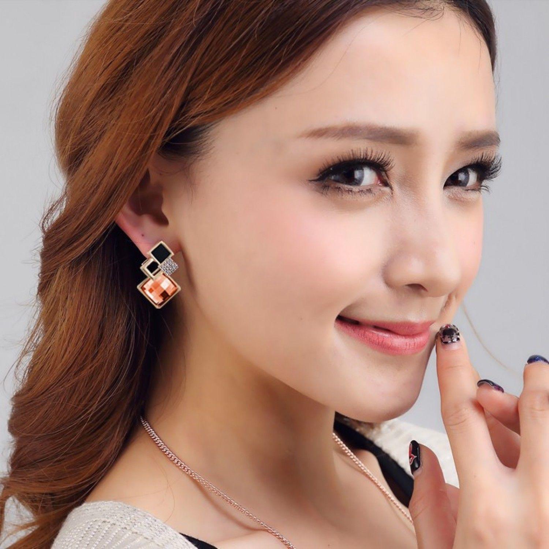 New Popular Crystal Earrings Fashion Geometric Rhinestone Gemstone Studs 2018 image 2