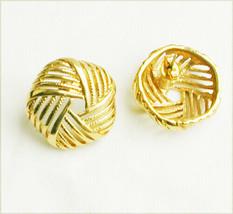 Avon earring 5 sided circle open work MIB gold tone pierced ears - $4.46