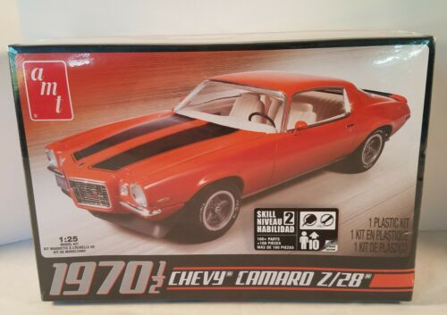 Primary image for AMT 1970 1/2 Chevy Camaro Z28 1:25 Plastic Model Car Kit 635 2015