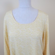 Tommy Bahama Casual Women's Shirt Size M 3/4 Sleeve Yellow - $15.79