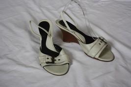 Kenneth Cole New York Wood Wedge Ivory Leather Slingback Sandal Heels Size 9 M - $25.74