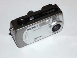 Samsung 401 4.0 MP Digital Camera - Silver - $41.05