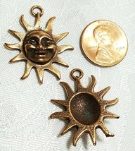 SUN WITH RAYS FINE PEWTER PENDANT CHARM   24.5x30x5mm image 2