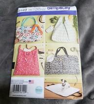 Simplicity 8149 Tote Bags Dog Pet Travel Bed UNCUT - $6.79