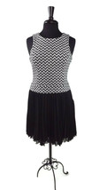 JESSICA SIMPSON Cute Lil Black Cream Pleated Short Flare Dress Size 4 - $19.95