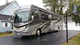 2018 Fleetwood Discovery LXE FOR SALE image 1