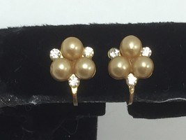 Vintage Faux Pearl Rhinestone Screw Back Earrings 24771 - $7.99