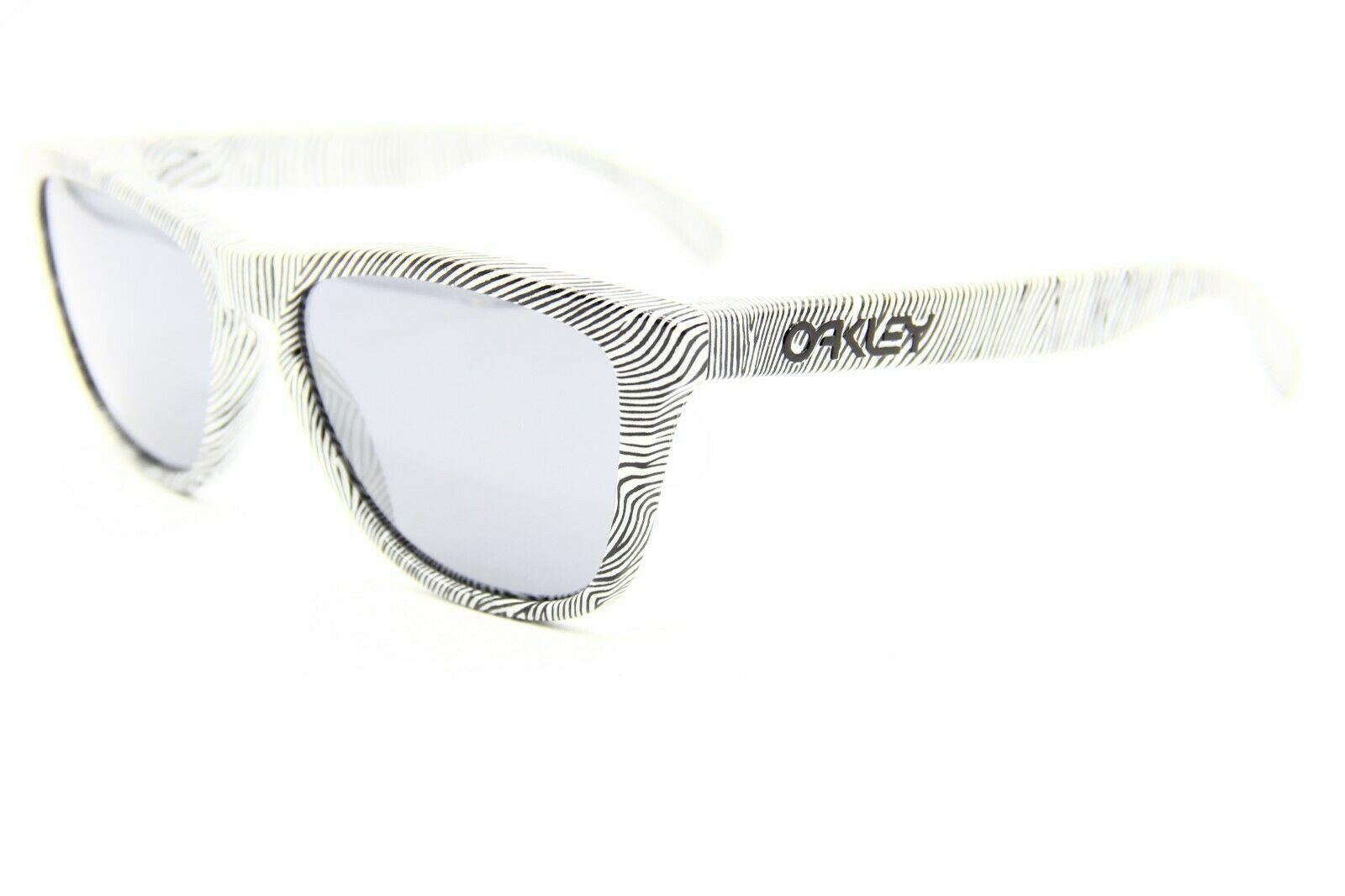 OAKLEY SANCTUARY OO9013-52 WHITE SUNGLASSES FRAME 55-17