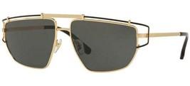 Nuovo Versace VE2202 1436/87 Oro W/Grigio Occhiali da Sole Montatura Met... - $151.89