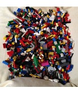 Over 4 Pounds (1600) Genuine Misc Legos - $34.30
