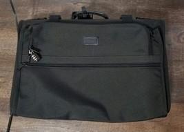 Tumi Black Travel Suit and Garment Bag - $1.792,12 MXN