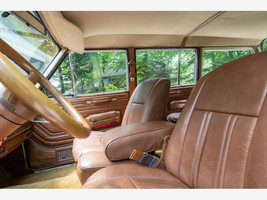 1984 Jeep Grand Wagoneer For Sale In Lewis Center, OH 43035 image 6