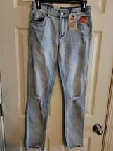 Levi's Big Girls Embroidered Girlfriend Jeans Sz. 14Reg - $19.75