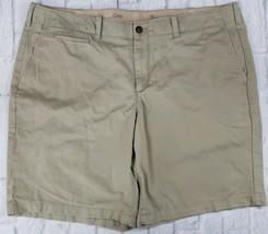 GAP Men's Size 42 The Lived-In-Skinny Khaki Flat Front Short - $11.35