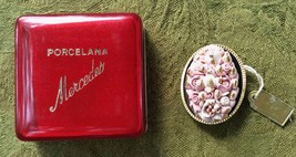 Porcelana Mercedes Pink, White and Gold Flower Brooch Pin - Vintage - $20.00